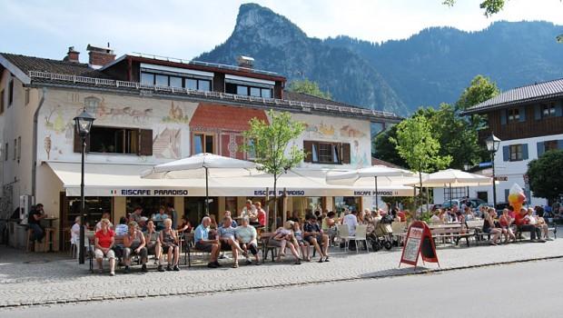 aussenansicht-sommer-02-eiscafe-paradiso-oberammergau-b800px